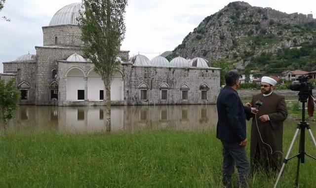 Xhamia e Plumbit, Myftiu flet për VOA