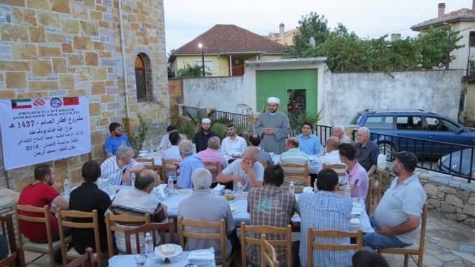 Një iftar vëllazëror me xhematin e xhamisë Dudas