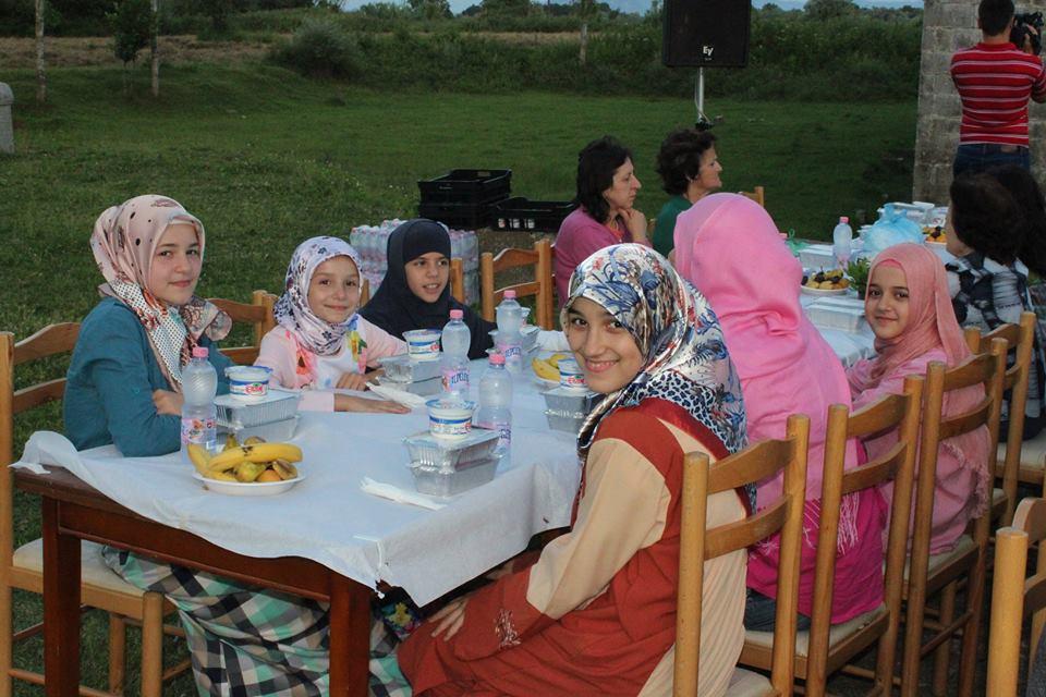 Mbrëmje e begatë fetare në Xhaminë e Plumbit
