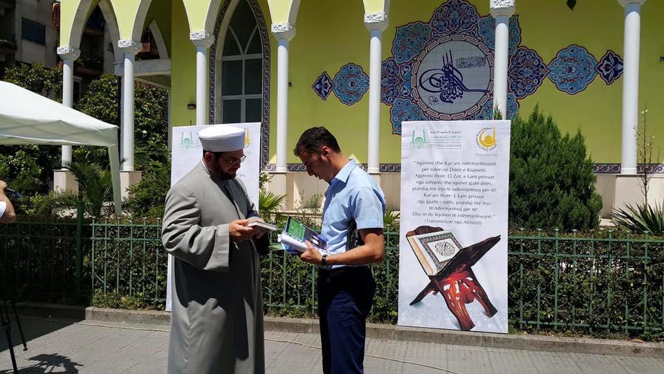 Mijëra kopje të Kur'anit në prag të Ramazanit 1437