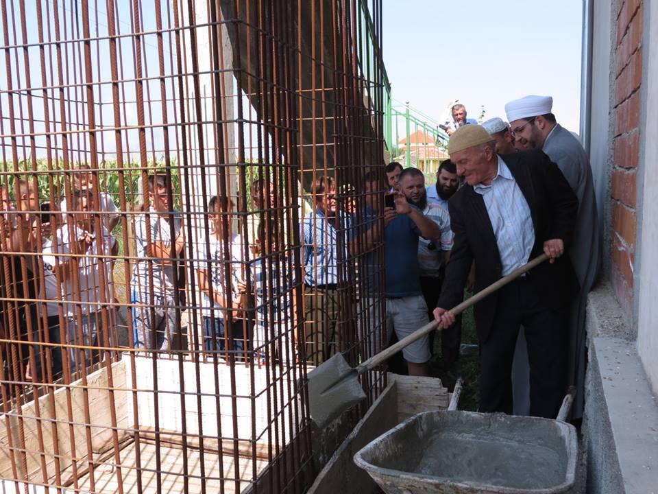 Fshati i Ri, nisën punimet për minaren e re të xhamisë
