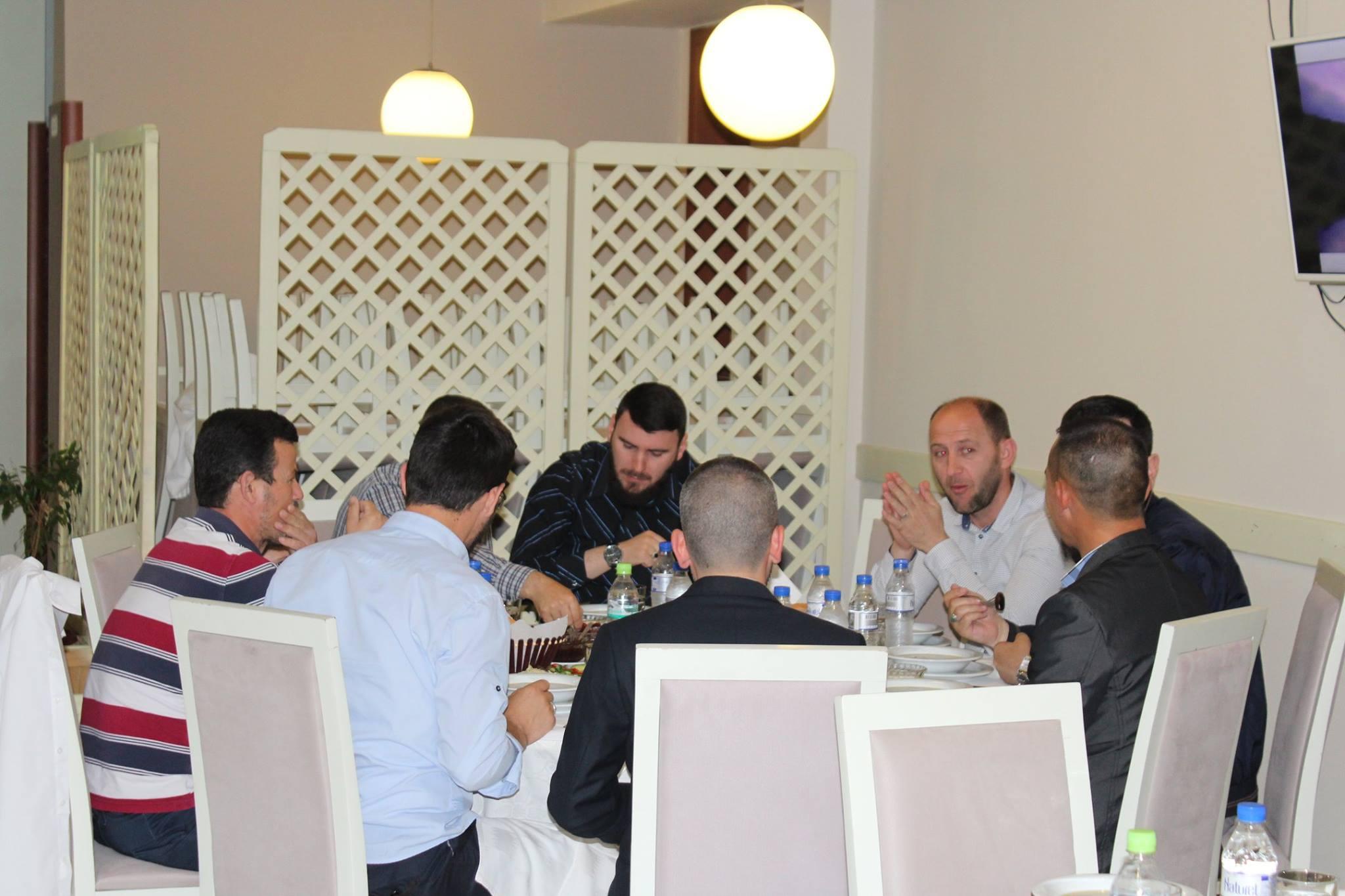 Iftari tradicional me imamët dhe këshillin e Myftinisë Shkodër