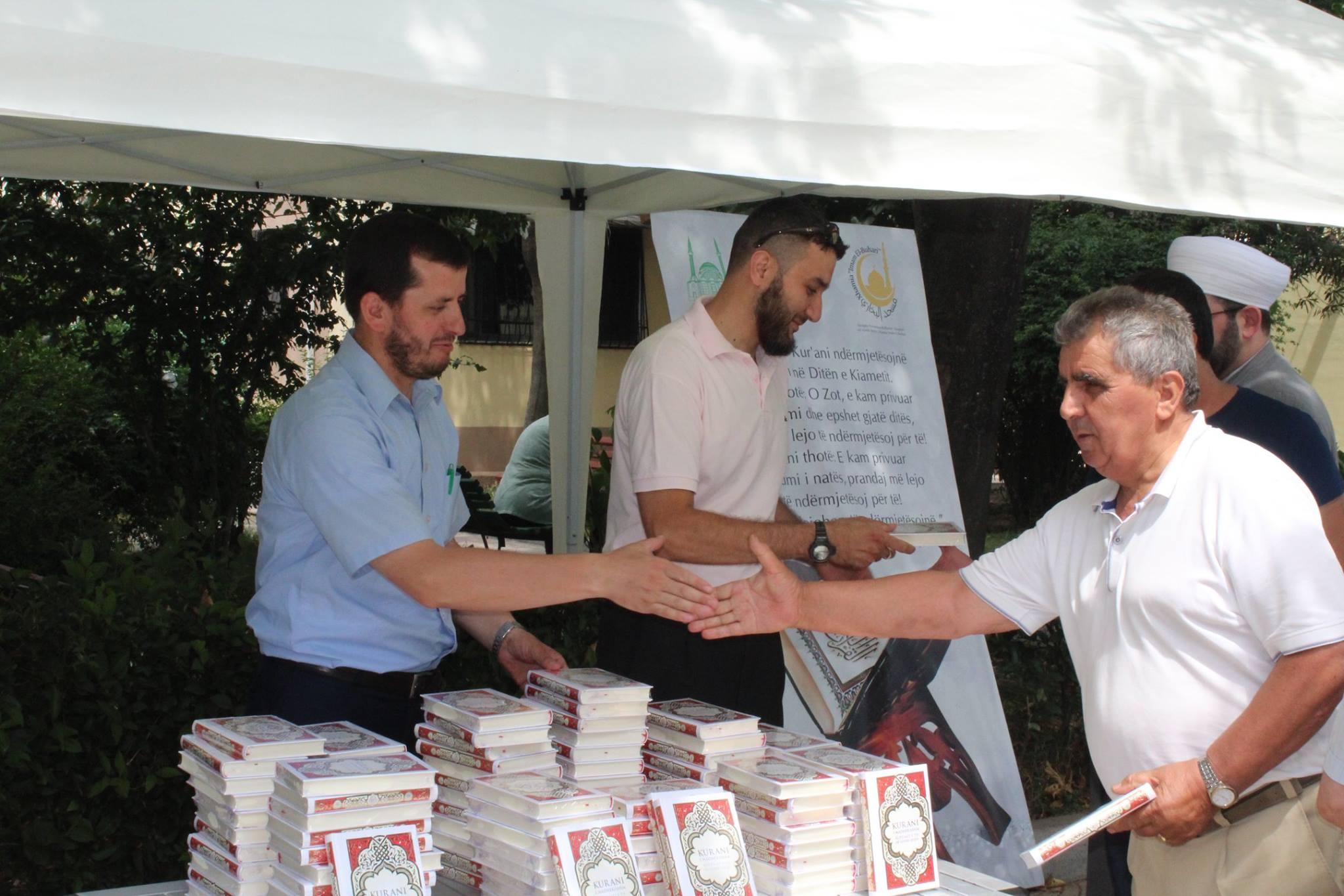 Shpërndarja e përkthimit të Kur'anit mbyll Ramazanin 2017