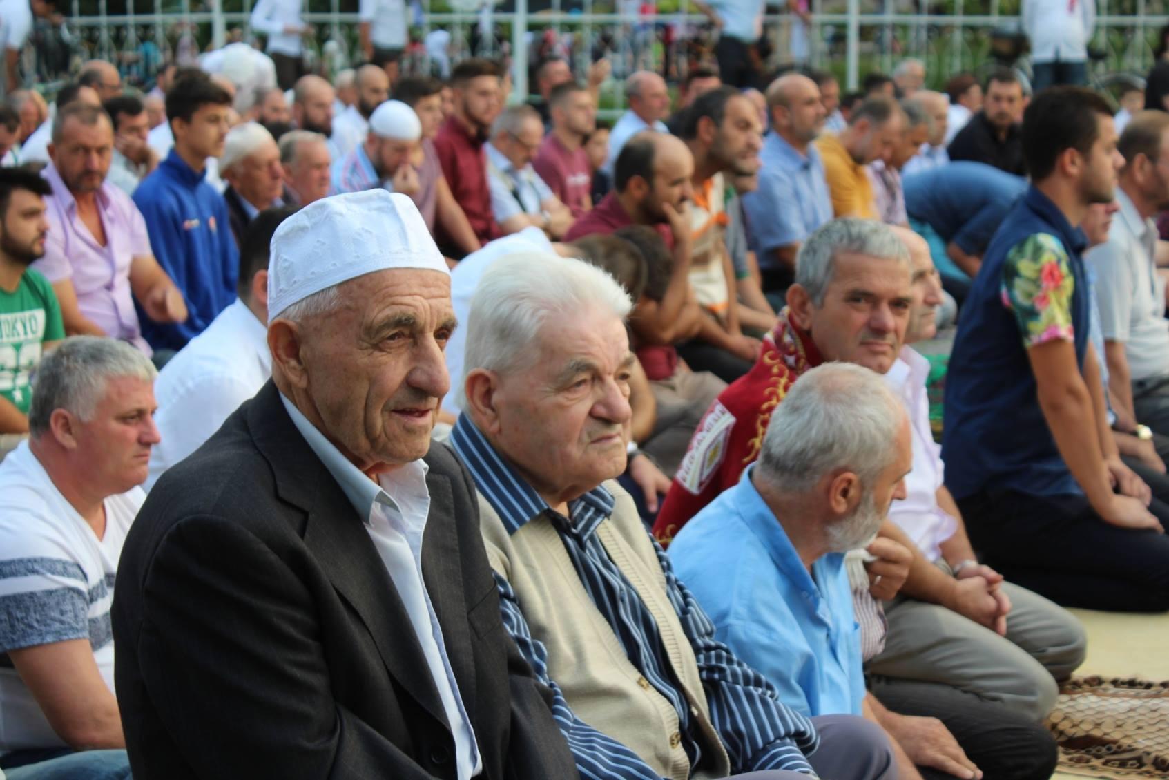 Allahu Ekber, fjala kuptimplotë që zotëroi festën e Kurban Bajramit