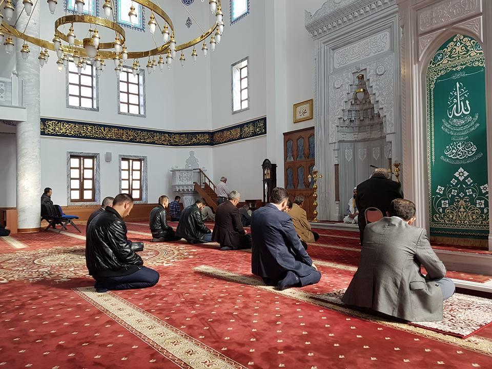 Një ditë mbresëlënëse në Kompleksim e xhamisë së Golemit, Kavajë