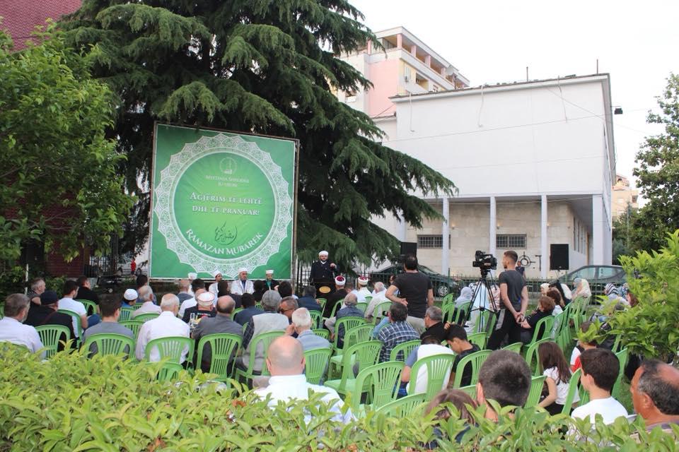 """""""Sofra e Kur'anit"""", si bekim dhe prehje shpirtërore mbi Shkodër"""