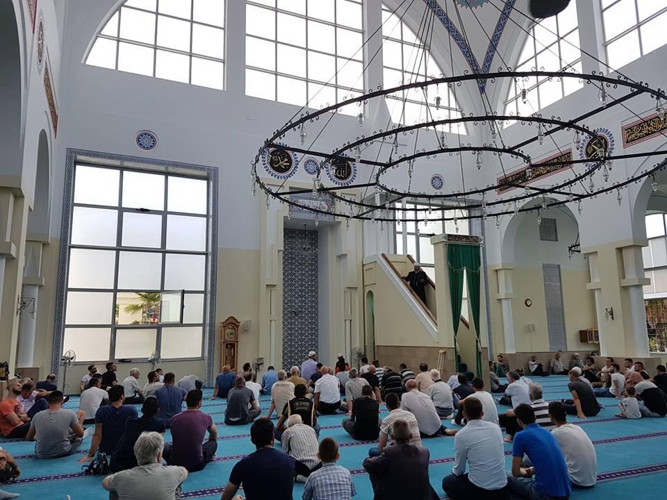 """U inauguruan dy çezmet e reja te xhamia """"Ebu Bekër"""""""