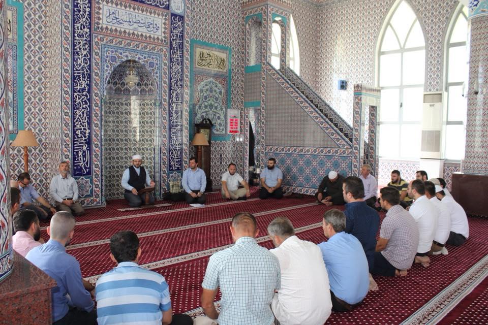 Myftiu takoi imamët mbi ligjërimin dhe harmoninë e jetës fetare