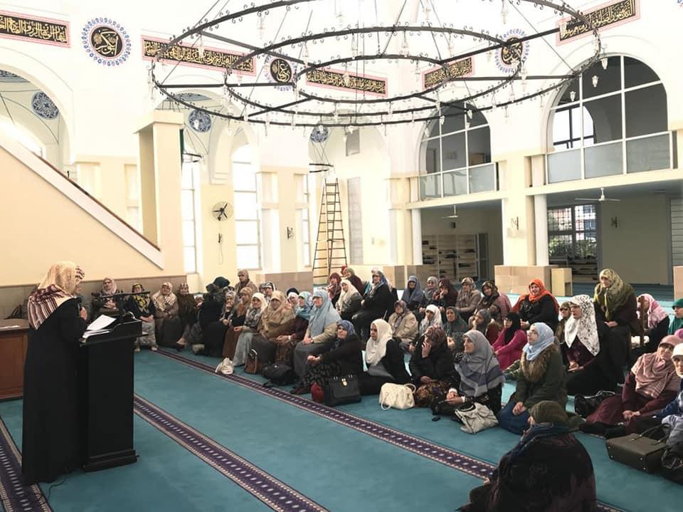 Familja dhe edukimi i fëmijëve në vëmendjen e motrave muslimane