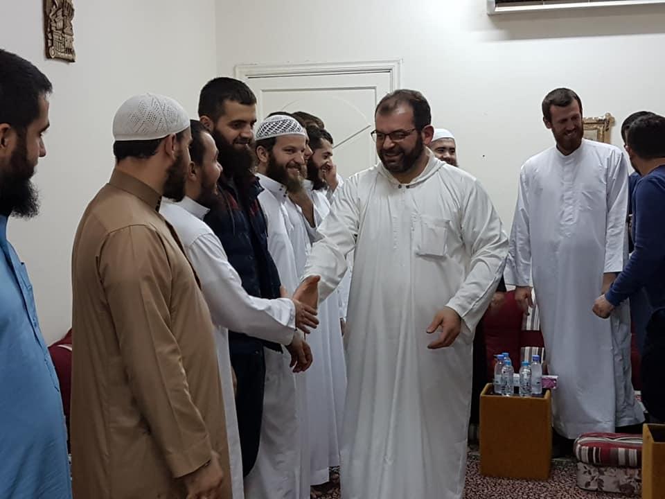 Myftiu takoi studentët shqiptarë në Medine