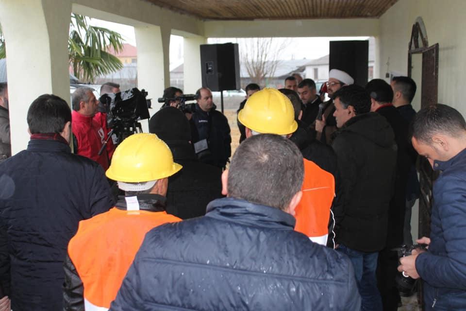 U hodh guri i themelit për xhaminë e re në Shirq