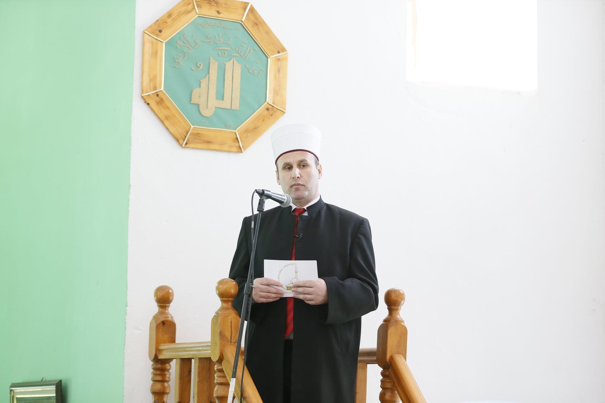 U fal xhumaja në përkujtim të 30 vjetorit të rihapjes së xhamisë së Plumbit